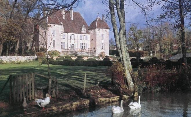 замок в регионе Франш-Конте